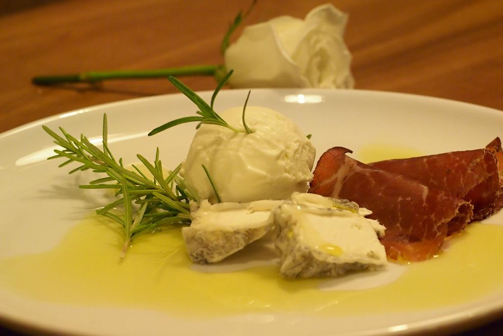 gelato olio extra vergine oliva e bresaola black angus